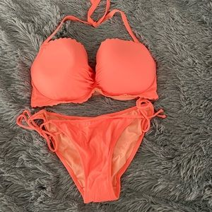 THREE PIECES! NWT/NWOT Scalloped VS bikini Coral
